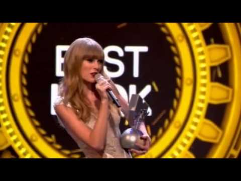 Taylor Swift scoops MTV Europe Music awards hat-trick.