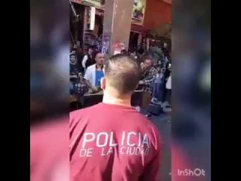 VIDEO APLAUSOS  La policía de Larreta quizo detener a músicos callejeros y ellos respondieron con mu