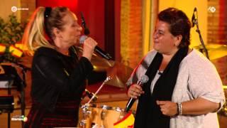 Angela Groothuizen en Barbara Straathof - Holiday in Spain - De Zomer Voorbij 2015