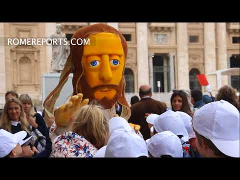 Life-size Jesus doll enters St. Peter's Square
