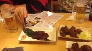 Eating whale meat in Japan (日本で鯨肉食べる)