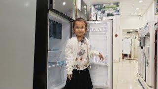 Bé 6 tuổi bị bệnh thiếu máu lần đầu sở hữu chiếc tủ lạnh cùng niềm vui từ ngoại quốc