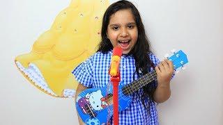 شفا تلعب بغيتارة هيلو كيتي وسوت فرقة موسيقية !!