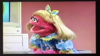 Sesame Street - Prairie Dawn and Cookie Monster draw a computer cookie