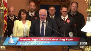 Sen. Zorn welcomed the Hudson Tigers Varsity Wrestling Team to the Michigan Senate