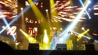 Shreya Ghoshal Live 2017 - Manwa Laage (Happy New Year)