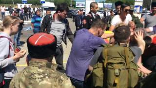 Храбрые православные казаки нападают на ФБК и Навального
