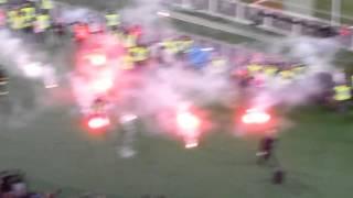 Coppa Italia Napoli Fiorentina bomba carta abbatte vigile del fuoco