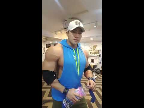 Musclemania® Pro Chul Soon trains Shoulder in Seoul, Korea