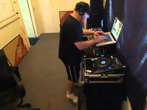 Nonstop 2012 DJ Úc yêu Việt Nam - Dj UC _ Nonstop 2012 DJ uc yeu Viet Nam -