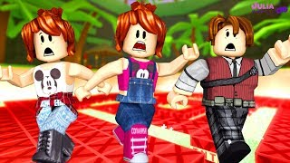 ROBLOX-RUNNING AWAY from TNT IN the FAMILY (TNT Rush)