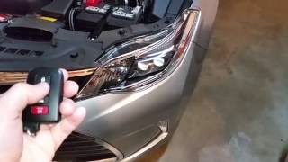 2013-2017 Toyota Avalon - Testing Key Fob After Changing Battery - Parking Lights Flashing
