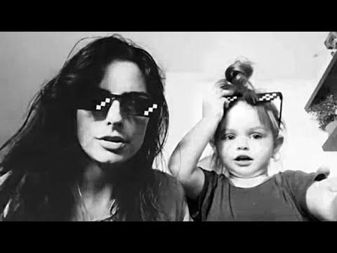 Aislinn Derbez y su hija Kailani le cantan a Mauricio Ochmann en su cumpleaños número 43