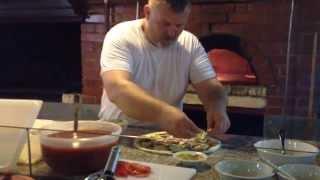 Приготовление пиццы в дровяной печи SHELDEM