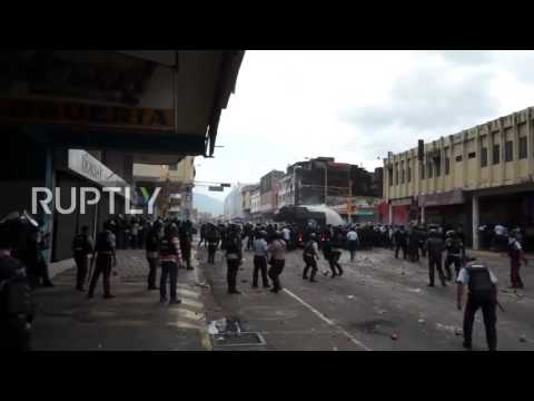 Venezuela: At least 35 injured in clashes at anti-govt protests in San Cristobal