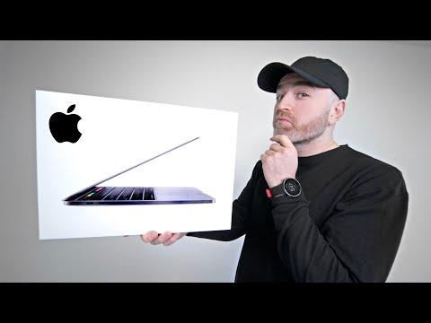 """Unboxing Apple's """"New"""" MacBook Pro 13"""