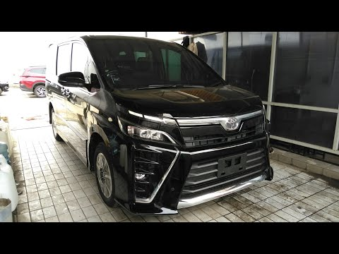 Toyota Voxy Start Up & Review Indonesia