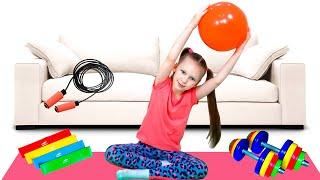 Лиза хочет быть стройной - занимается спортом и кушает полезную еду