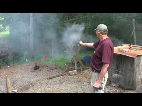 Black Powder vs Smokeless Powder