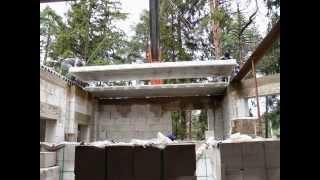 Хроника стройки 22 октября 2010г(?)(Укладка плит перекрытия на верх стены второго этажа. Высота от уровня земли до верхней точки стены..., 2014-12-17T07:27:19.000Z)