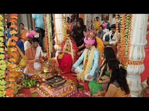 शादी की वीडियोज़ लीक होने पर निरहुआ नाराज़ | Nirahua Upset As Wedding Video Goes Viral