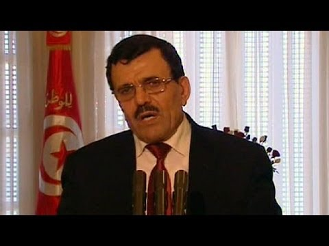 Tunisian prime minister steps down to pave way to full democracy