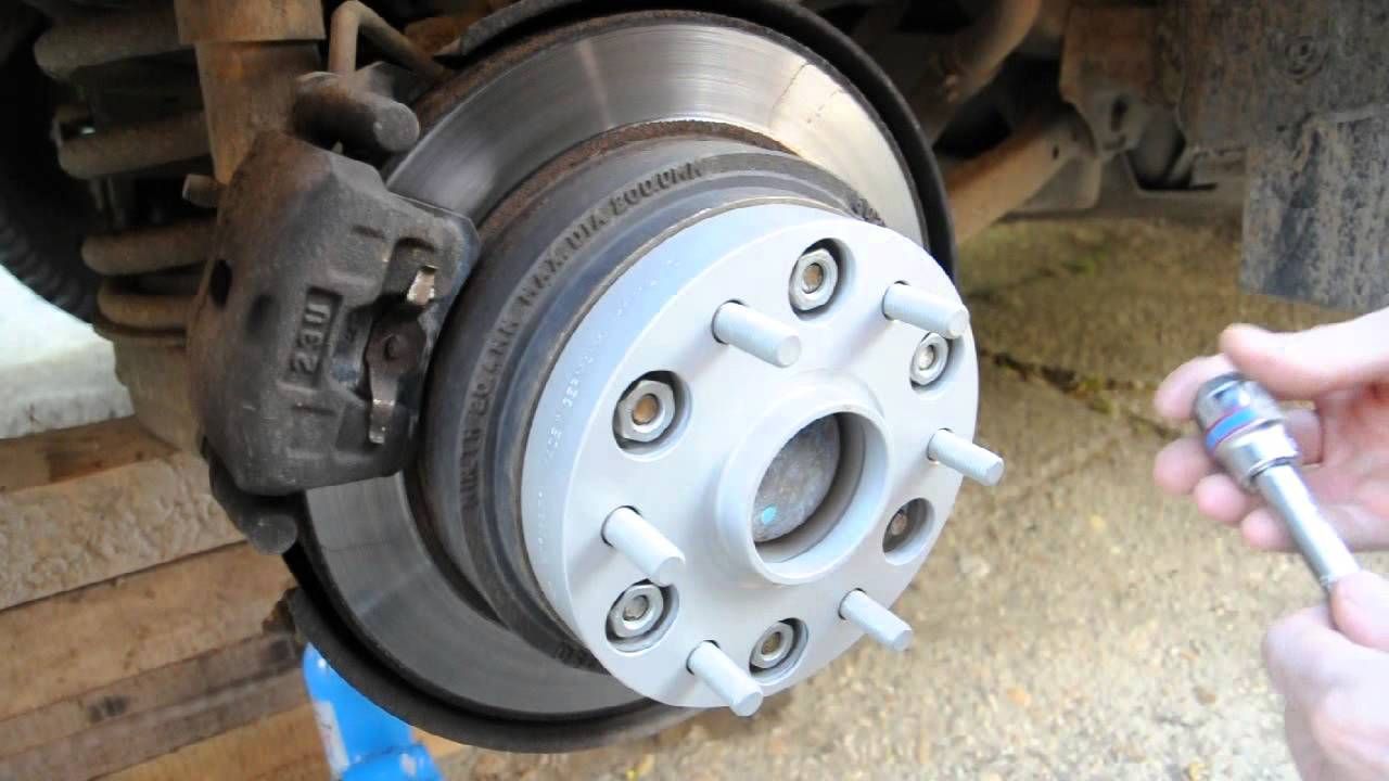 Mitsubishi Pajero V60 Wheel Spacer Install Youtube