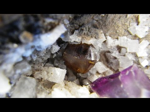 Collecting Rocks and Minerals  - Finding Fluorite in Niagara Falls