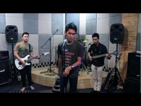RefiveBand - Keong Racun (cover version)