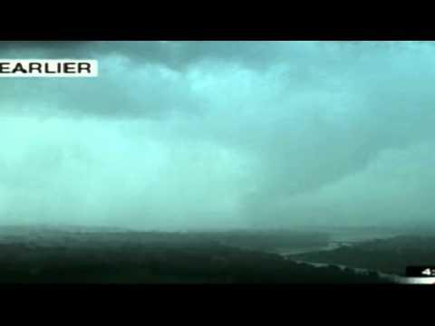 Tornado on the Ground Norman, Oklahoma (13 April 2012)