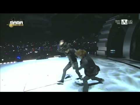 엑소EXO  으르렁Growl + 늑대와 미녀Beauty and the Beast at 2013 MAMA