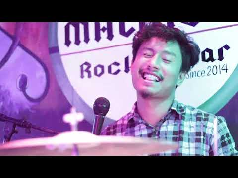 Flow Band live at Malingo Rock Bar Dharan.