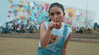 SARAH PANJAITAN -  i'm sorry beib (official music video)