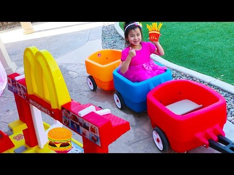 Jannie Pretend Play with McDonalds Drive Thru Fast Food Kitchen Toy Set