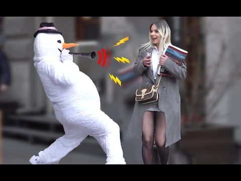 SCARY SNOWMAN PRANK 2020 | Loud Horn Prank