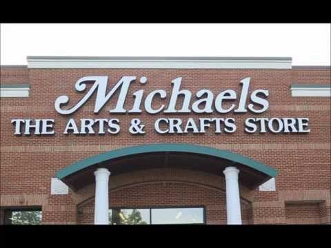 Shopping in Michaels in USA 2015