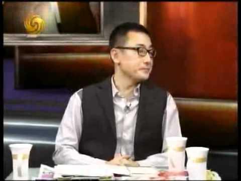 眷村的故事王伟忠_锵锵三人行2010-12-06 B:伟忠哥来啦,台湾的眷村与大陆文化 - YouTube