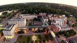 Espoon keskus kesäyönä ilmakuvaa
