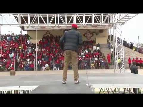 Hosiah Chipanga performing at the MDC Alliance Rally at Sakubva Stadium  in Mutare