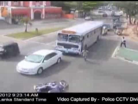 Tai nạn giao thông được camera quan sát ghi hình