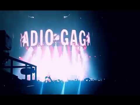 QUEEN & Adam Lambert - Radio Gaga chorus (Budapest, 4.11.2017.)