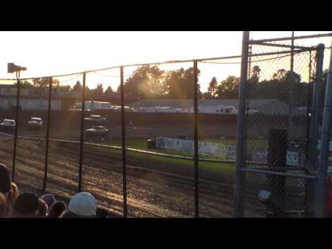 Hobby Stock Heat 1 @ Marshalltown Speedway 06/02/17