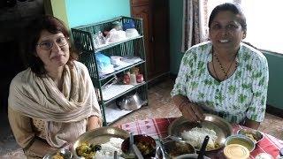 Manĝi per mano en Nepalo