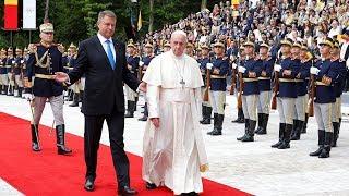 Đón tiếp trọng thể: Đức Thánh Cha duyệt hàng quân danh dự tại dinh tổng thống Rumani