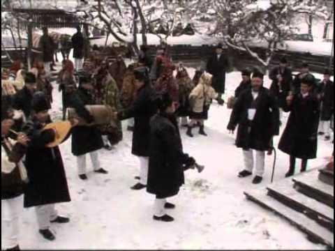 Calin Brateanu si Gospodarii din Fundu Moldovei - Obicei de Anul Nou