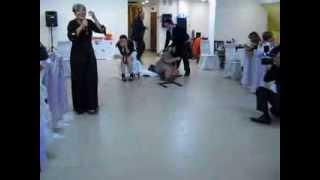 Прикол на свадьбе: Конкурс с шариками.