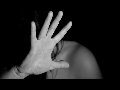 Učitelé se můžou hlásit na workshopy o domácím násilí