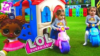 Куклы ЛОЛ Шар Сюрприз Новые  Новогодние Мультики ЛОЛ / L.O.L. Surprise Dolls playing at Playground