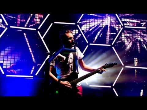 Muse - Guiding Light live @ Glastonbury 2010