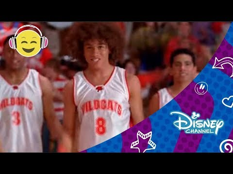 High School Musical : 'We're all in this together'   Disney Channel Oficial